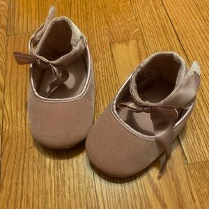 Baby shoes 3 for $15: Size 4 Aldo baby shoes